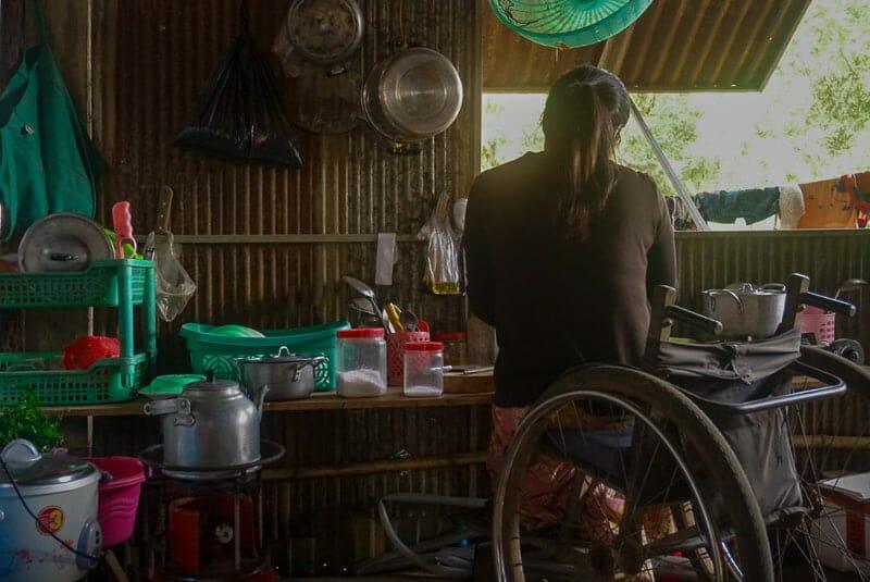 mother seeking reintegration with her children